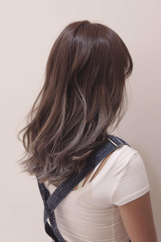 ハイライトを使った綺麗なグレー系のヘアカラーにする時の注意する大切な2つのポイント