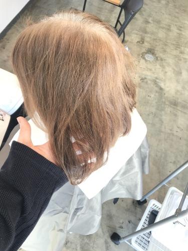 白髪染め 明るい